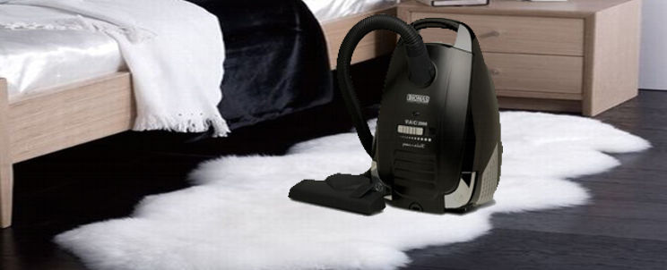 cómo aspirar una alfombra peluda